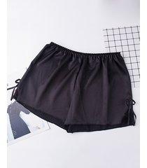 shorts de satén con cinturilla elástica con inserción de encaje