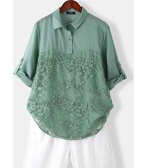camicetta casual a maniche lunghe con colletto a risvolto con bottoni ricamati floreali per donna