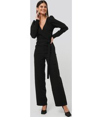 na-kd party overlap tie jumpsuit - black