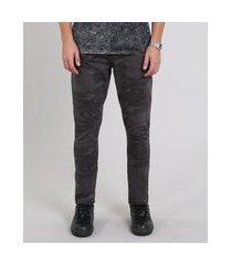 calça de sarja masculina carrot estampada camuflada chumbo