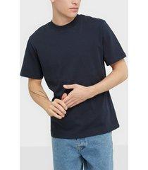 selected homme slhrelaxclean ss o-neck tee b t-shirts & linnen mörk blå