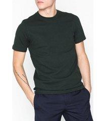 premium by jack & jones jprchris bla. tee ss crew neck t-shirts & linnen scarab