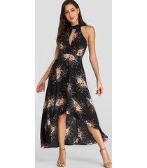 yoins halter maxi negro con estampado floral aleatorio recortado vestido