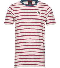 ams blauw yarn dyed mel stripe tee in regular fit t-shirts short-sleeved röd scotch & soda