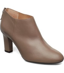 uchi_na shoes boots ankle boots ankle boots with heel beige unisa
