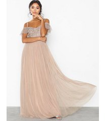 maya cold shoulder sequin maxi dress maxiklänningar
