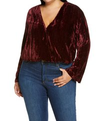 plus size women's good american wrap front velvet bodysuit, size 5 - burgundy