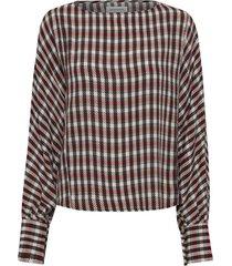10702772 lola batsleeve blouse