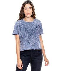 camiseta cuello redondo teñido old wash con aplicaciones y flecos en frente color blue