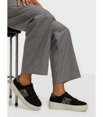 duffy faux suede snake platform sneaker low top