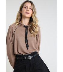 blusão feminino em moletom com capuz bege