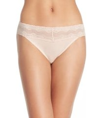 women's natori bliss perfection thong, size one size - beige