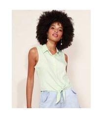 camisa feminina com nó sem manga verde claro