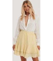 na-kd boho kjol med volanger - yellow