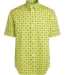 shirt with contrasting pattern