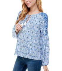 kingston grey juniors' floral-print split-neck top