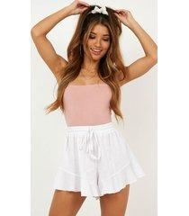 showpo beach vibes shorts in white - 4 (xxs) shorts