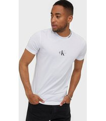 calvin klein jeans center monogram tee t-shirts & linnen white