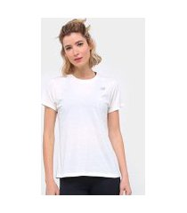 camiseta new balance relentless crew feminino
