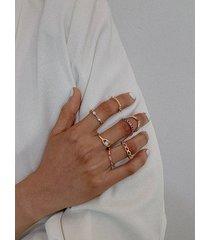 conjunto de anillos de circonita hueca de oro con microconjunto