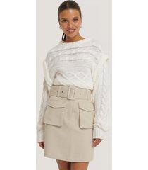 na-kd trend kjol med fickor och bälte - beige