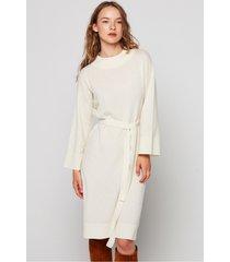 dzianinowa sukienka z półgolfem