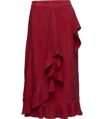 wrap skirt in cupro w. tie knälång kjol röd coster copenhagen
