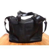 czarna skórzana torba z kieszeniami