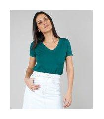 camiseta feminina básica manga curta decote v verde