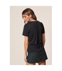 camiseta mob malha decote retilínea feminina