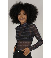 blusa feminina em tule estampada expressões de funk gola alta manga longa preto