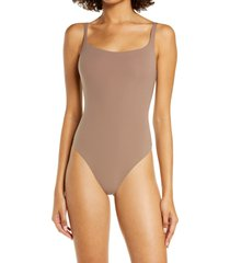 skims fits everybody square neck sleeveless bodysuit, size x-large in umber at nordstrom