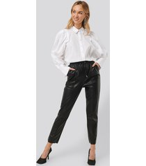 na-kd drawstring pu seam detail pants - black