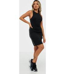 calvin klein jeans logo elastic fitted milano dress fodralklänningar