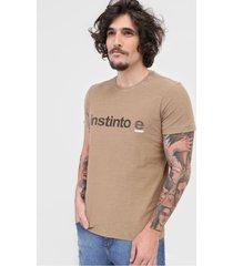 camiseta osklen instinto e marrom - marrom - masculino - algodã£o - dafiti