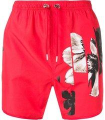 neil barrett short de natação com estampa floral - vermelho