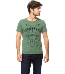 t-shirt calif tour guess - verde - masculino - dafiti