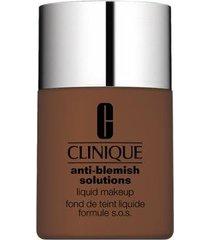 base liquida anti-blemish solutions liquid makeup clinique fresh clove