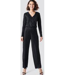 rut&circle pleated jumpsuit - black