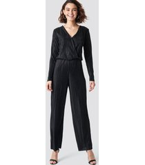 rut&circle pleated jumpsuit - black