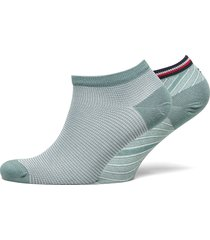 th women sneaker 2p refined bias footies träningssockor/ankle socks grön tommy hilfiger