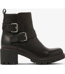 boots heavy buckle