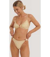 na-kd swimwear bikiniunderdel med hög midja och ringdetalj - beige