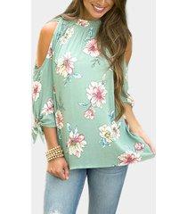 blusas gasa estampado floral con hombros descubiertos y puños con puños verdes