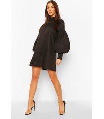 blouse jurk met volle mouwen en hoge kraag, zwart