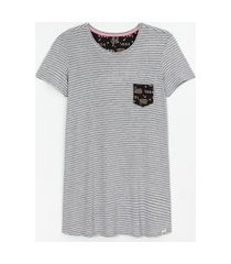 camisola manga curta listrada com bolso estampa lazy bear | lov | cinza | p