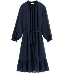 klänning med volangkant och lång ärm