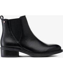 boots becky