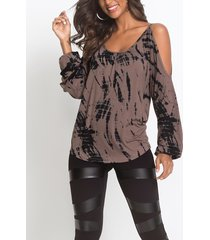contraste marrón impreso hombro frío manga larga dobladillo curvo camiseta casual