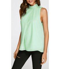 camiseta sin mangas de gasa plisada con espalda abierta y cuello alto verde